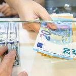 Покупка иностранной валюты в стране и за рубежом