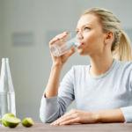 12 причин пить минеральную воду